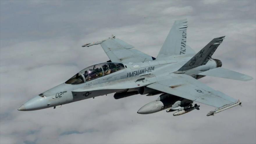 Un cazabombardero F A-18 Hornet de Estados Unidos.