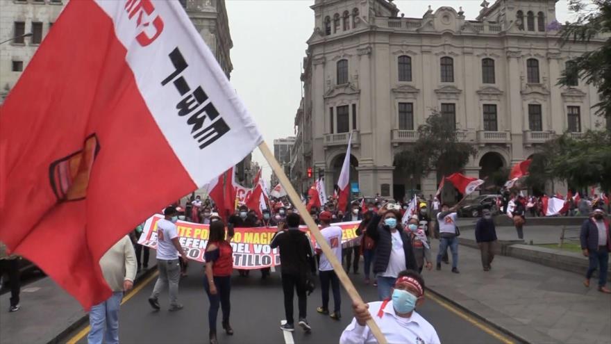 "Fans de Castillo marchan ante denuncias de ""fraude"" de Fujimori | HISPANTV"