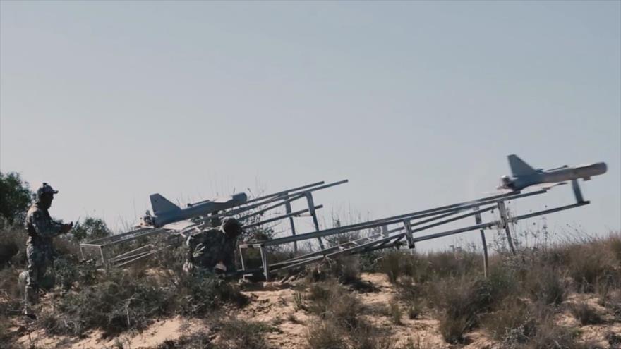 """Captura del vídeo que muestra los nuevos """"drones suicidas"""" del Movimiento de Resistencia Islámica de Palestina (HAMAS), 13 de mayo de 2021."""