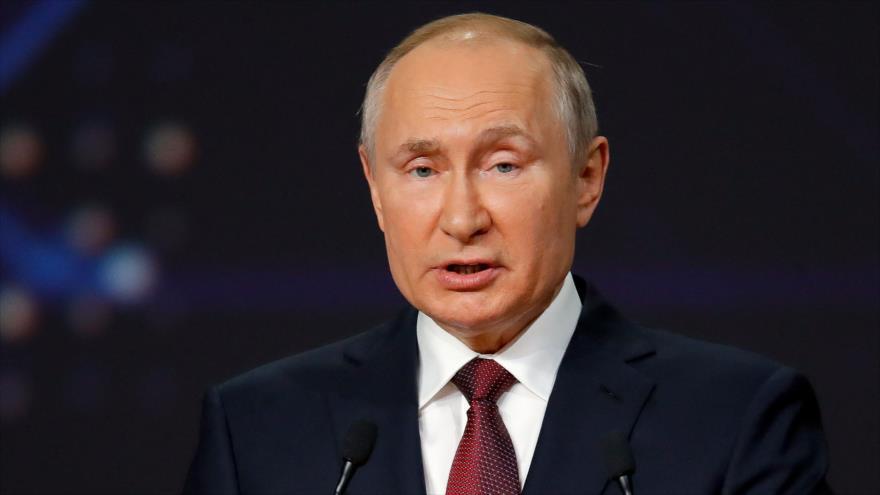 El presidente ruso, Vladimir Putin, en un acto en San Petersburgo, Rusia, 4 de junio de 2021. (Foto: AFP)
