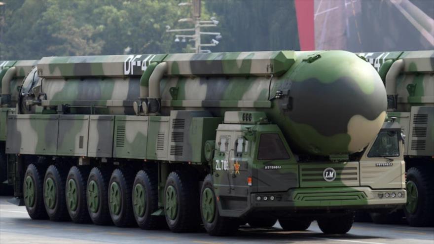 Misiles estratégicos intercontinentales Dongfeng-41 de China en un desfile en Pekín, 1 de octubre de 2019. (Foto: Reuters)