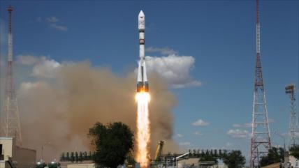 Putin desmiente que Rusia vaya a vender satélite espía a Irán