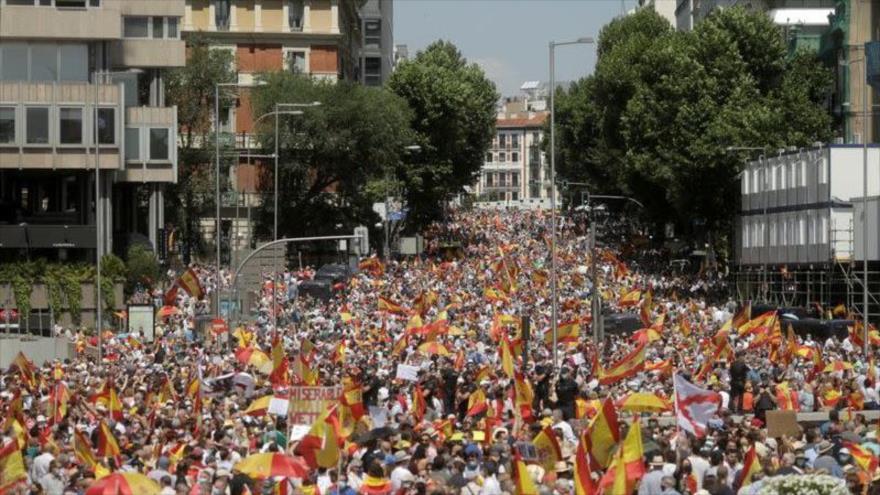 Vídeo: Madrileños protestan contra indultos a líderes catalanes