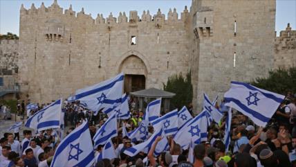"""Colonos corean """"muerte a los árabes"""" en polémica marcha en Al-Quds"""