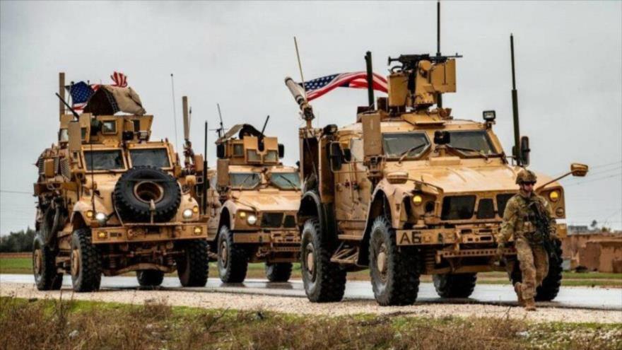 Vídeo: Sirios interceptan convoy de EEUU y bloquean su paso