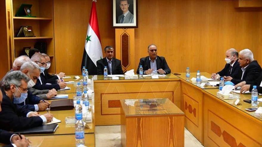 Una delegación iraní se reúne con las autoridades sirias en Damasco, Siria, 16 de junio de 2021. (Foto: SANA)