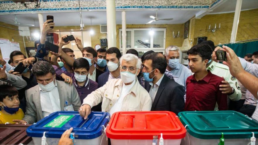 Said Yalili, miembro del Consejo de Discernimiento del Sistema de Irán, participa en las presidenciales, Teherán, 18 de junio de 2021. (Foto: IRNA)