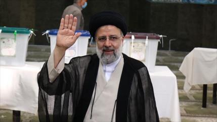 Hemati y Rezai felicitan a Raisi su victoria en las elecciones
