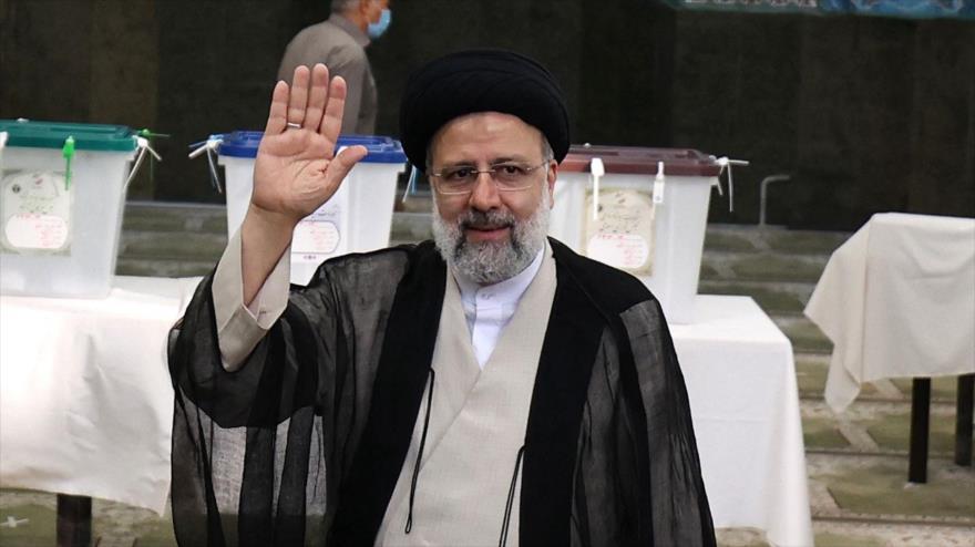 Hemati y Rezai felicitan a Raisi por su victoria en las elecciones | HISPANTV