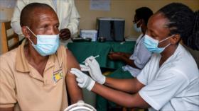 """OMS lamenta """"fracaso mundial"""" en distribución de vacunas anti-COVID"""