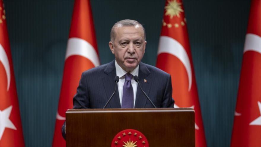 El presidente de Turquía, Recep Tayyip Erdogan, ofrece un discurso durante un acto celebrado en Ankara, capital turca, 26 de abril de 2021. (Foto: Reuters)
