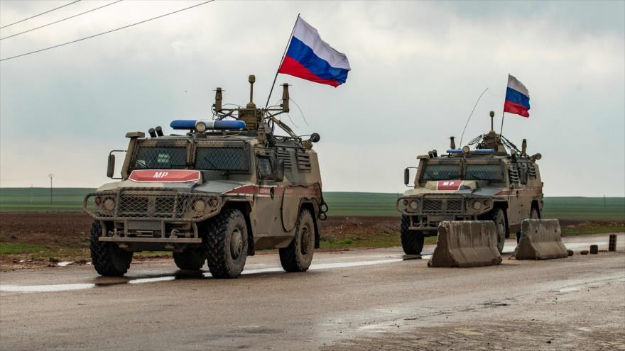 Vídeo: Fuerzas rusas hacen retroceder a convoy de EEUU en Siria