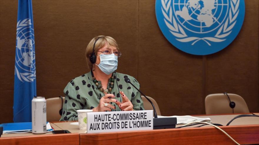 La alta comisionada de las Naciones Unidas para los Derechos Humanos, Michelle Bachelet, durante una sesión en Ginebra, 21 de junio de 2021. (Foto: AFP)