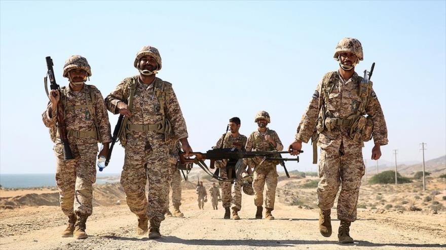Fuerzas terrestres del Cuerpo de Guardianes de la Revolución Islámica (CGRI) durante un entrenamiento militar. (Foto: FARS)