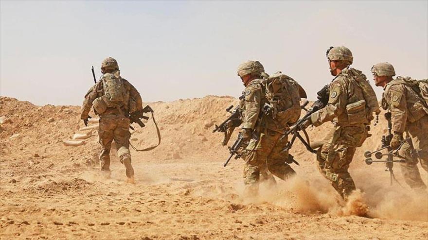 Vídeo: Soldados de EEUU huyen espantados por ataque de un camello