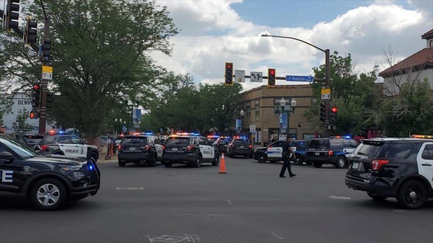 La Policía en el lugar del tiroteo en la ciudad de Arvada del estado de Colorado, 21 de junio de 2021.