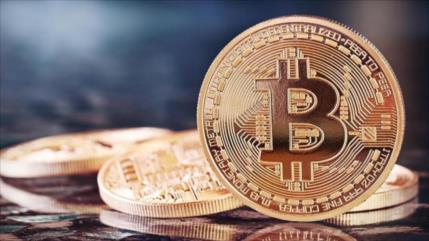 Bitcóin cae drásticamente y pierde 55 % su valor