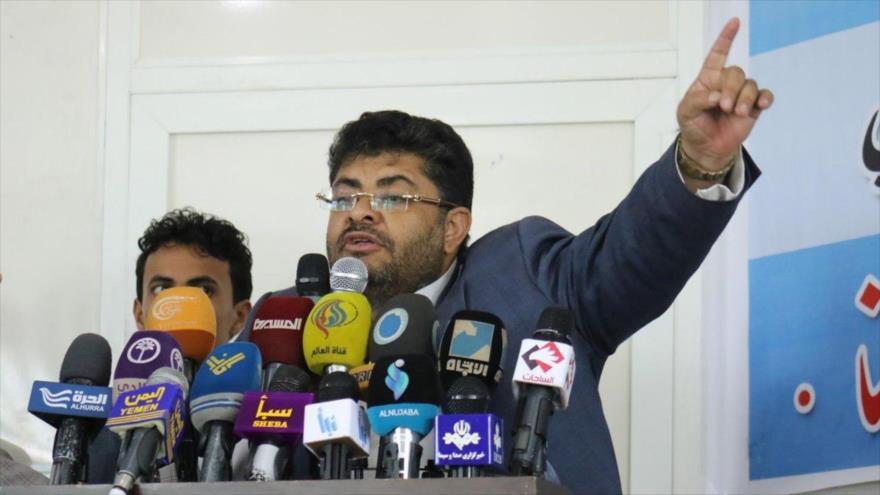 El presidente del Comité Supremo Revolucionario yemení, Muhamad Ali al-Houthi, ofrece una rueda de prensa.
