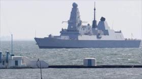 Vídeo: Así Rusia expulsa a destructor británico de sus aguas