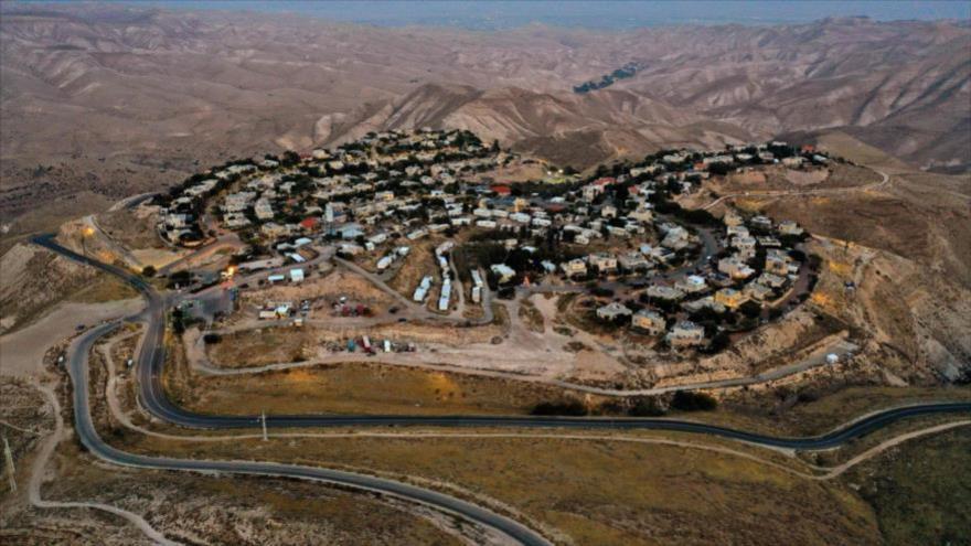 Demócratas piden a Biden declarar ilegales los asentamientos israelíes