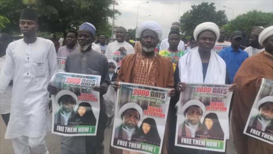 Partidarios del líder chií, el sheij Ibrahim al-Zakzaky, piden la liberación del líder y su mujer, en Abuya, capital de Nigeria, 21 de junio de 2021.