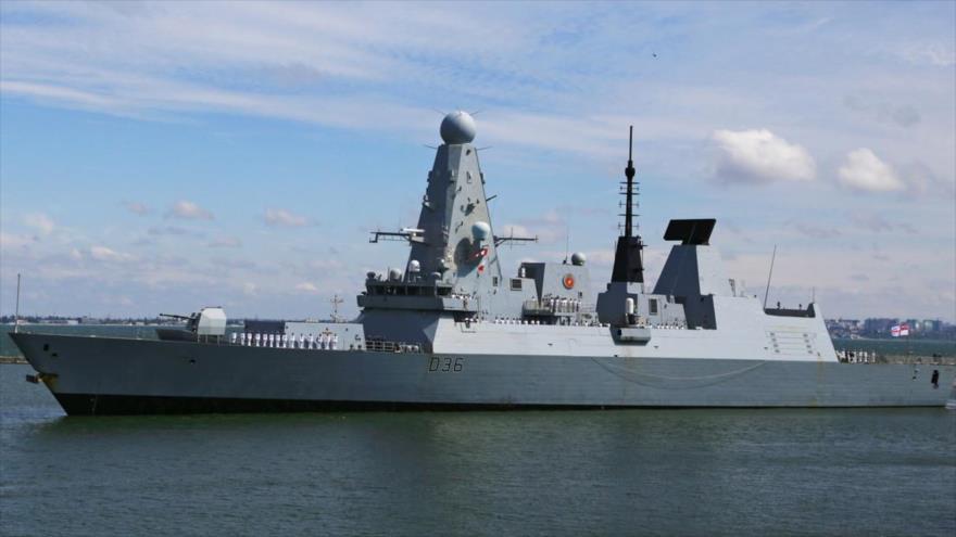 Vídeo: ¿Cómo destructor británico se preparó para atacar barco ruso?