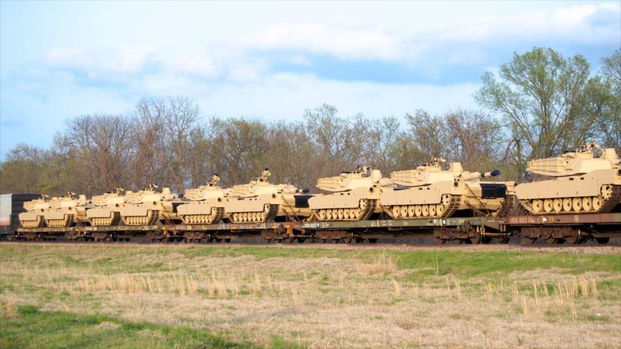 EEUU despliega una larga caravana de tanques cerca de Bielorrusia