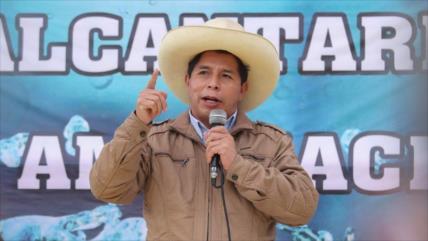 Castillo busca reformar Constitución como 'primer pedido del pueblo'