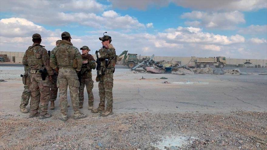 Soldados estadounidenses en base militar de Ain Al-Asad, en provincia de Al-Anbar, oeste de Irak.