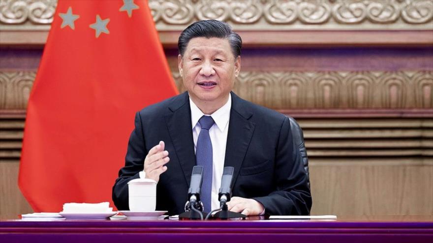 El presidente de China, Xi Jinping, ofrece un discurso en una reunión virtual en Pekín, la capital, 6 de julio de 2021.