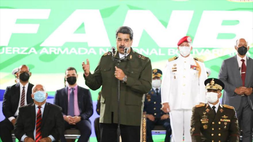 Maduro urge a afinar la inteligencia venezolana ante amenazas