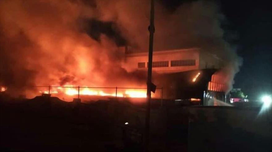45 muertos deja incendio en unidad COVID-19 de un hospital iraquí
