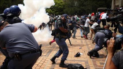 Vídeo: Sudáfrica sumida en disturbios y protestas con 72 decesos