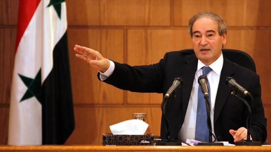 El ministro sirio de Asuntos Exteriores, Faisal al-Miqdad, ofrece una rueda de prensa en Damasco, Siria. (Foto: Reuters)