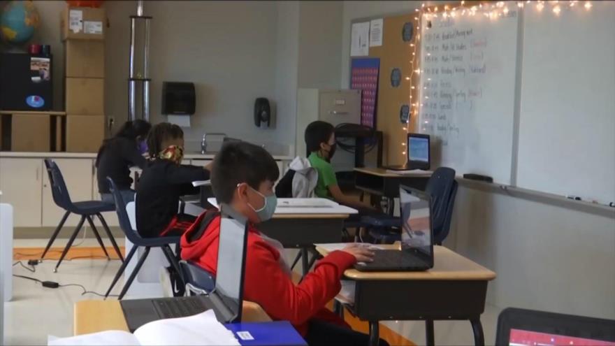 Escuelas de California desobedecen pautas federales