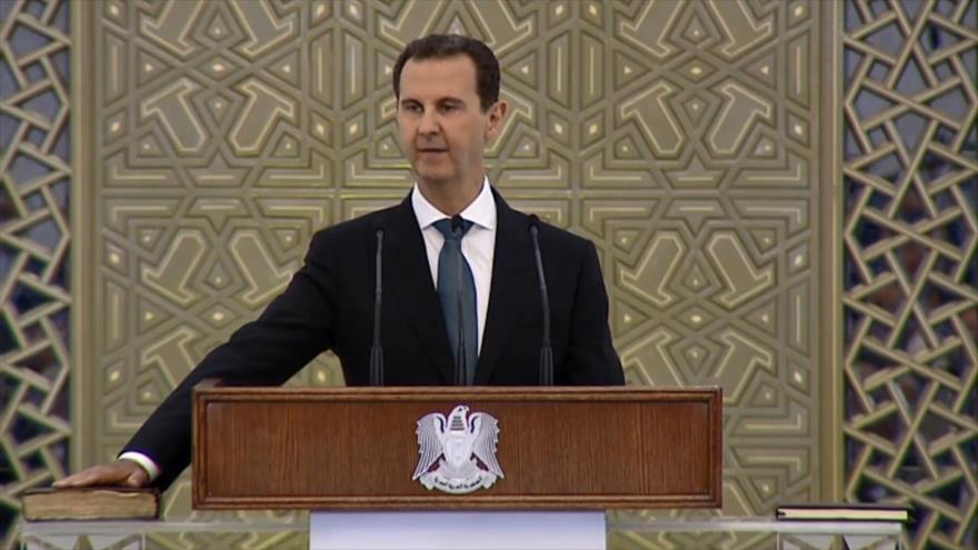 Bashar al-Asad presta juramento constitucional en Siria