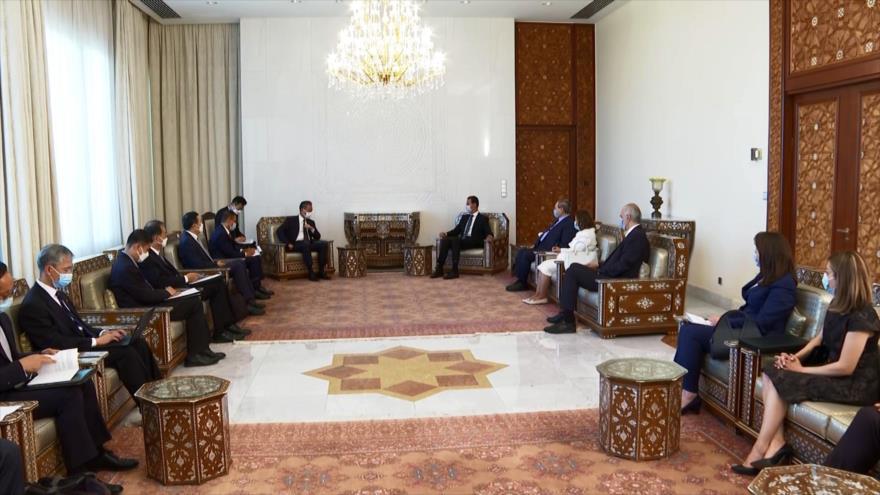 Canciller de China realiza su primera visita a Siria