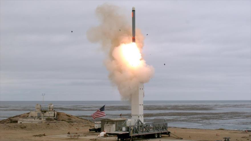 Instante de lanzamiento de un misil del Ejército de EE.UU. en la isla de San Nicolás, California, 18 de agosto de 2019. (Foto: Reuters)