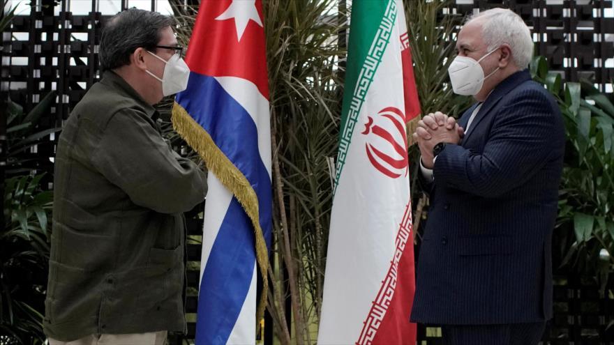El canciller de Irán, Mohamad Yavad Zarif (dcha.), y el de Cuba, Bruno Rodríguez, en La Habana, capital cubana, 6 de noviembre de 2020. (Foto: Reuters)