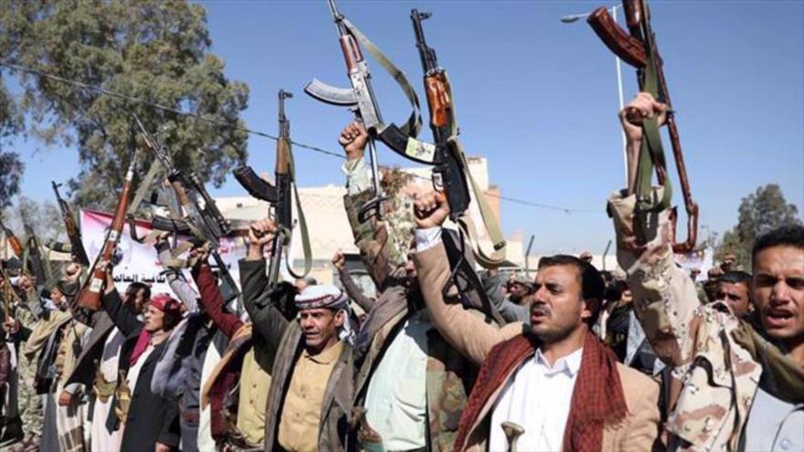 Integrantes del movimiento popular yemení Ansarolá, Saná, la capital, 18 de enero de 2021. (Foto: Reuters)