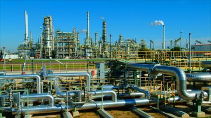Sector petroquímico de Irán lucha por superar bloqueo de EEUU