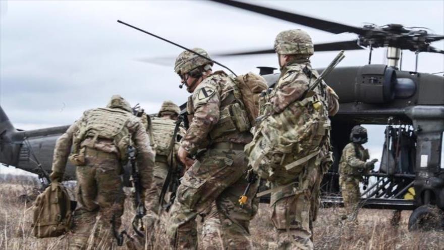 Soldados estadounidenses durante un entrenamiento militar en Hungría, 3 de marzo de 2020.