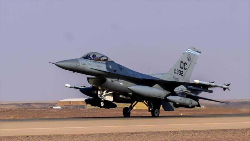 Un caza F-16 de la Fuerza Aérea de EE.UU. en la base aérea Prince Sultan, situado al sur de Riad, capital saudí, julio de 2021. (Foto: Centcom)