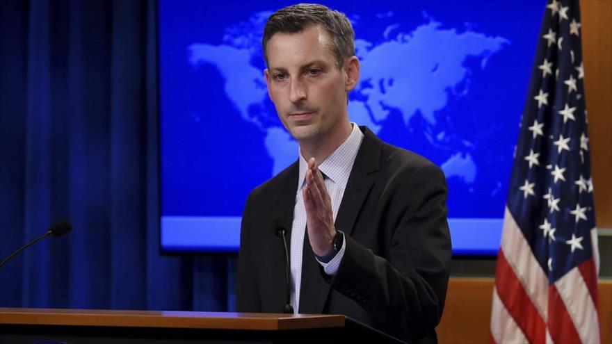 El portavoz del Departamento de Estado de EE.UU., Ned Price, durante una conferencia de prensa
