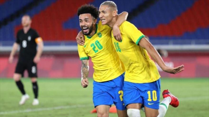 Brasil derrota a Alemania por 4-2 en su estreno en el Estadio Internacional de Yokohama en Tokio, la capital japonesa, 22 de julio de 2021.