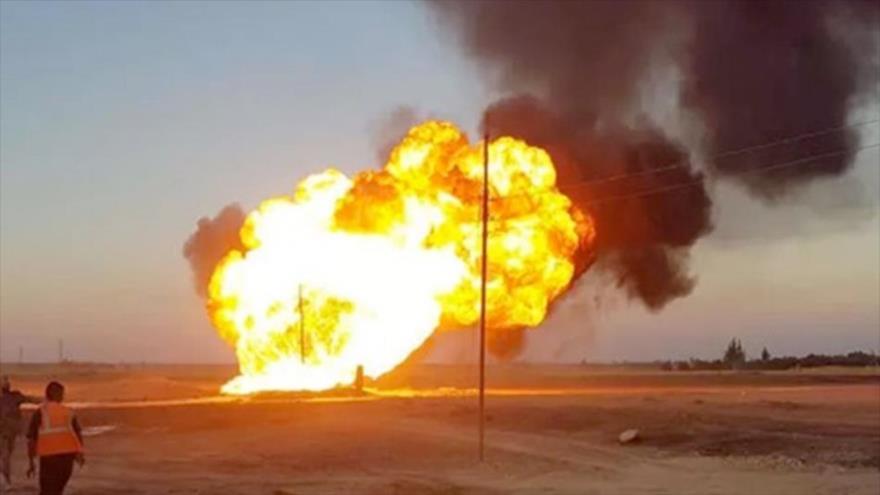 Una enorme explosión en el gasoducto sirio Al-Jabsah-Al-Rayan.