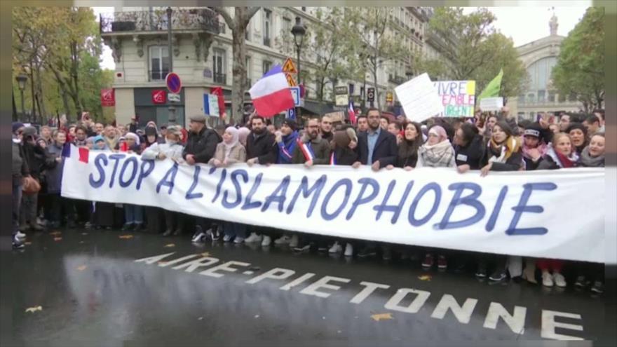 Francia aprueba una ley que ignora libertades religiosas de musulmanes