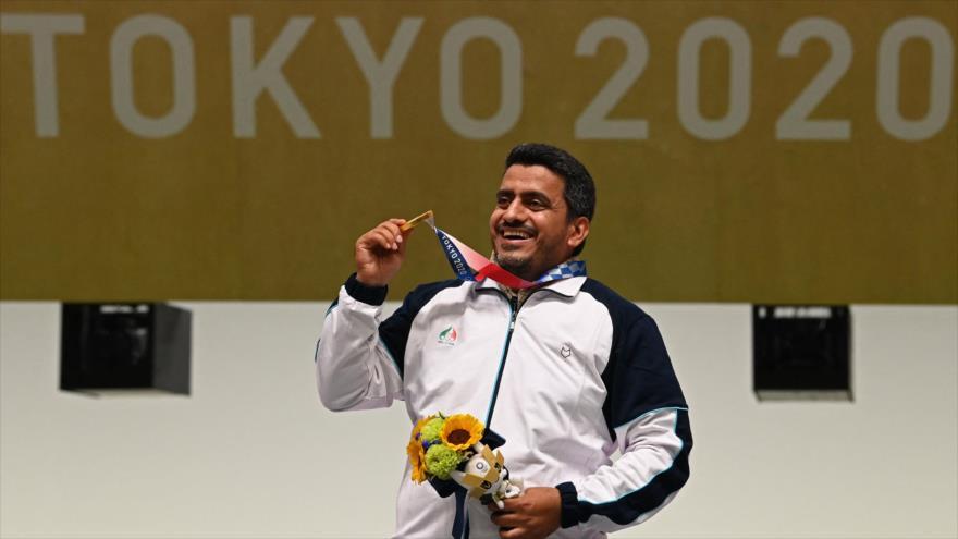 Yavad Foruqi consigue la medalla de oro en la competición de pistola de aire comprimido de los JJOO de Tokio 2020, 24 de julio de 2021. (Foto: AFP)