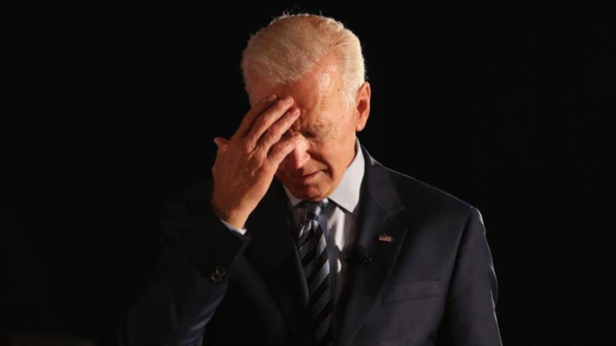 El presidente de EE.UU., Joe Biden, hace una pausa mientras habla durante un acto en el estado de Iowa, 15 de julio de 2019.
