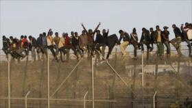 Vídeo: Migrantes cantan victoria en España tras cruzar frontera